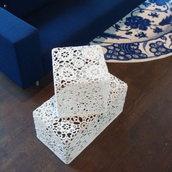 MOOOI odkládací stolky Crochet Table