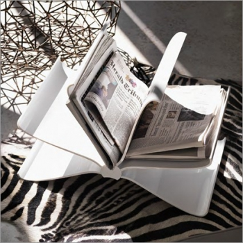 Kartell designové stojany na noviny Front Page