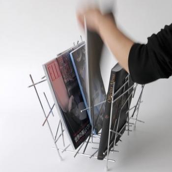 Alessi designové stojany na noviny Blow Up