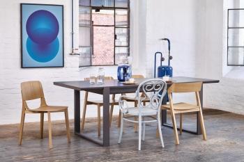 Ton designové jídelní stoly Delta - 139 x 90