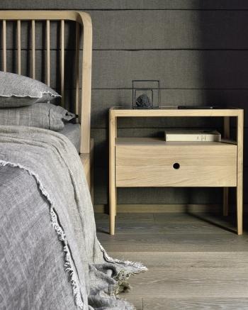 Ethnicraft designové noční stolky Spindle Bedside