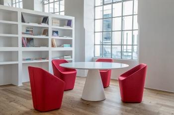Pedrali designové jídelní stoly Ikon (průměr 69 cm)