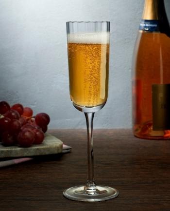 Nude designové sklenice na šampaňské Neo