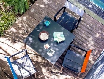 MAGIS zahradní stoly Striped Tavolo čtvercové (79 x 74 x 79 cm)