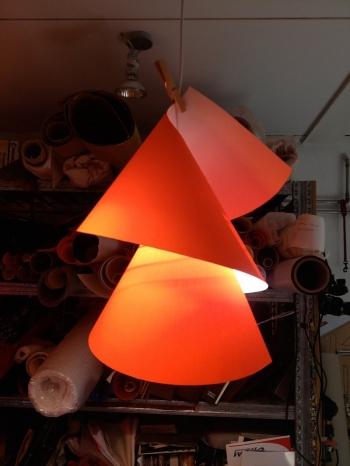 Ingo Maurer designová závěsná svítidla Willydilly