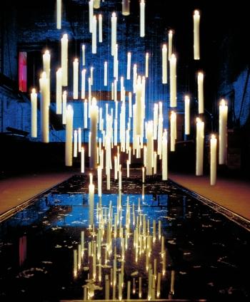 Ingo Maurer designová závěsná svítidla Fly Candle Fly