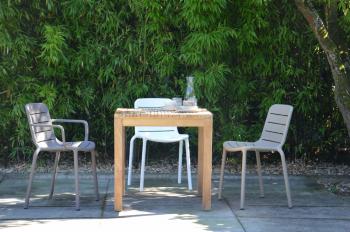 Jan Kurtz designové zahradní stoly Samoa Table (120 x 75 x 75 cm)