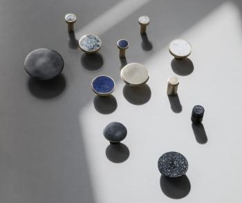 Ferm Living designové nástěnné věšáky Hook Stone Small