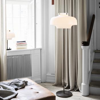 AndTradition designové stojací lampy Copenhagen Floor SC14