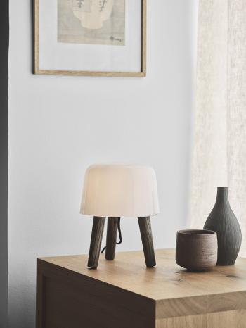 AndTradition designové stolní lampy Milk NA1