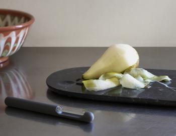 Normann Copenhagen designová kuchyňská prkénka Pebble Board Small