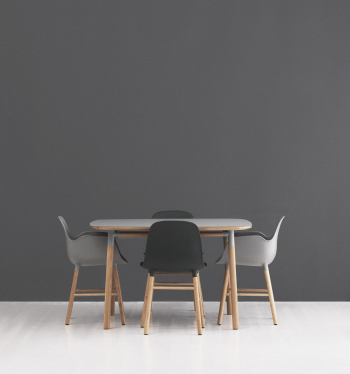 Výprodej Normann Copenhagen designové židle Form Armchair Wood (ořech, kůže)
