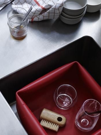 Normann Copenhagen designové sklenice Rocking Glass