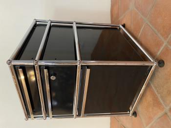 Výprodej USM designové kancelářské kontejnery Haller - černý bez koleček