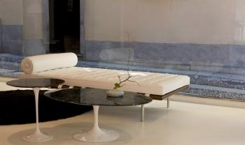 KNOLL odkládací stolky Tulip Side Table kulaté (41 x 51 cm)