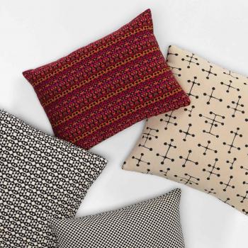 Vitra designové polštáře Classic Maharam Pillows Small Dot Pattern Document