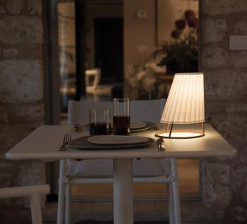 Emu designové stolní lampy Cone Small Lamp