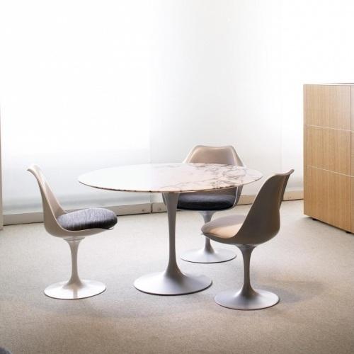 designov j deln stoly tulip table kulat designov j deln stoly designpropaganda. Black Bedroom Furniture Sets. Home Design Ideas