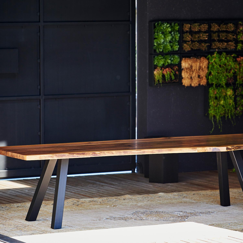 Jan Kurtz designové jídelní stoly Walnut