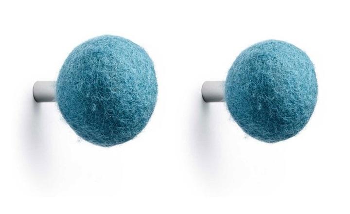 Výprodej Normann Copenhagen designové nástěnné věšáky Kula modrá (2 kusy)