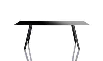 Designové kancelářské stoly Pilo