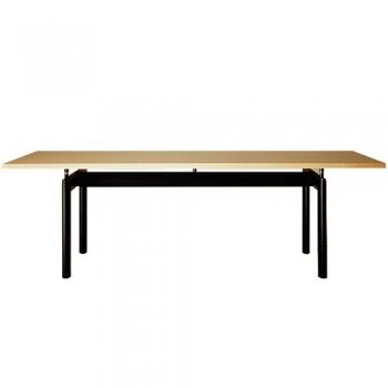 Designové jídelní stoly Lc6