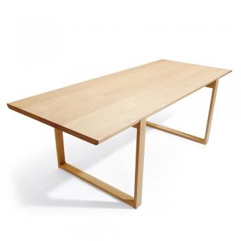 Designové jídelní stoly Delta