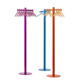 Designové stojanové věšáky Pole