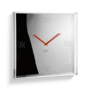 Designové nástěnné hodiny Tic Tac