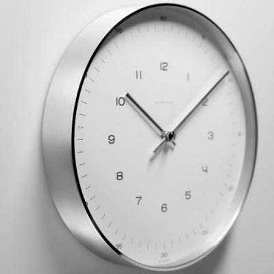 Designové nástěnné hodiny Strich Max Bill